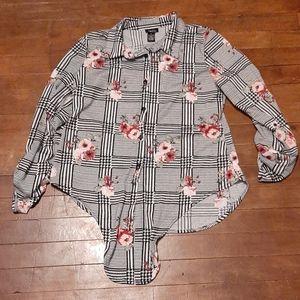 Rue 21 medium button up womans dress shirt